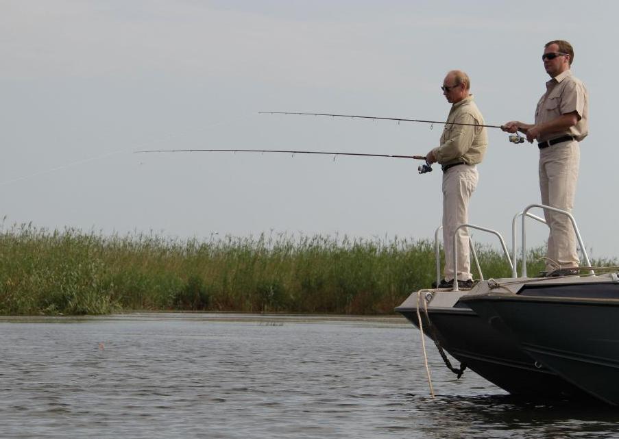 Во Францию не приглашают и на рыбалку не зовут