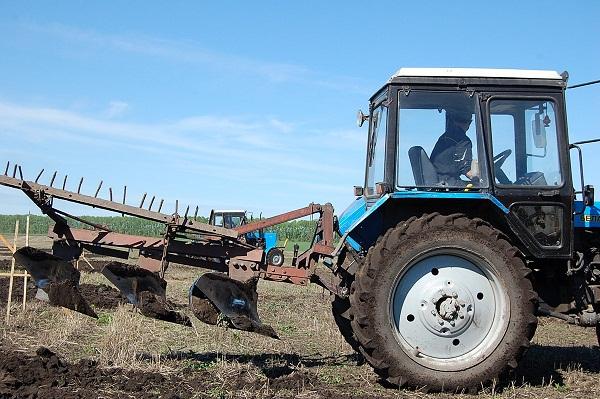 работа в железногорске на тракторе Центр Пятигорск