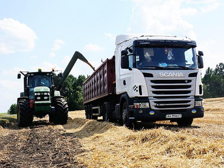 Объявление Доставка зерна от 20 тонн.Самосвалы. в Алтайском крае
